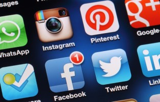 How to Avoid Unnecessary Facebook Distractions